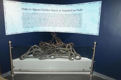 İstanbul'un Fetihini engellemek için Haliç'e gerilen zincirlerin kısa hikayesi